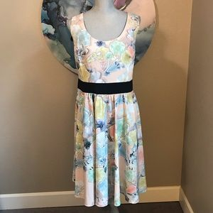 City Chic Floral Dress - Size M(18)